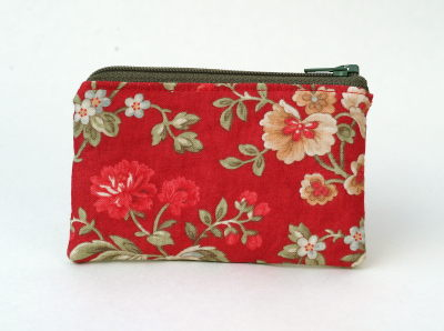 little zipped purse sewn in Moda Glace fabric