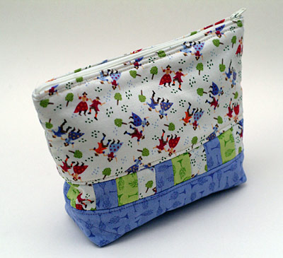 Cosmetics bag from Quilting in No Time by Emma Hardy