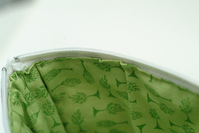 lining fabric bunched up inside Cosmetics bag from Quilting in No Time by Emma Hardy